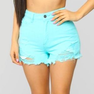 🌸teal distressed shorts